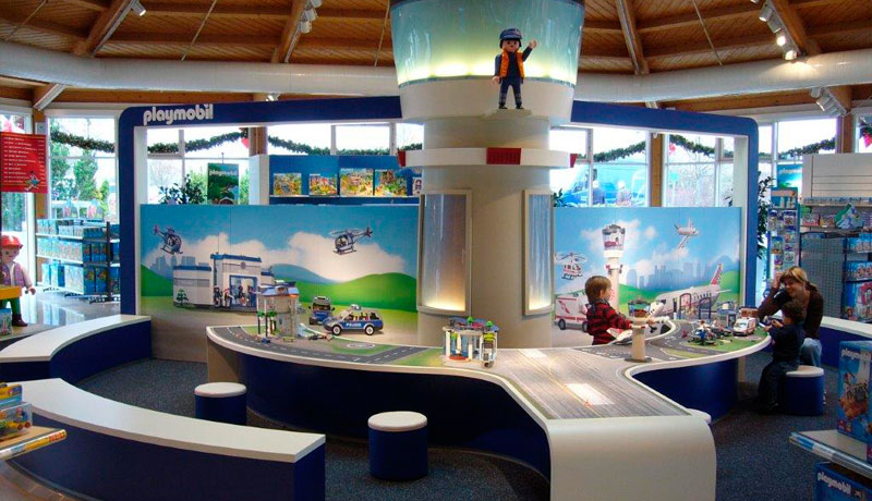 09-Shop-Playmobil.jpg